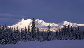 Snowy mountain peaks Royalty Free Stock Images