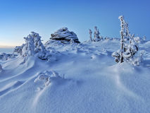 Snowy mountains before sunrise Royalty Free Stock Images