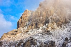 Snowy rocky mountains Royalty Free Stock Photos
