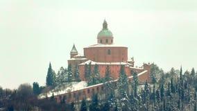 Snowy San Luca Church archivi video