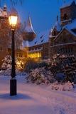 Snowy-Schloss in der magischen Stunde Lizenzfreies Stockbild