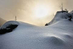 Snowy-Sonnenuntergang in den Harz Bergen Lizenzfreie Stockbilder