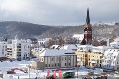 Snowy-Stadtbild von Heidenheim ein der Brenz im Winter lizenzfreies stockbild