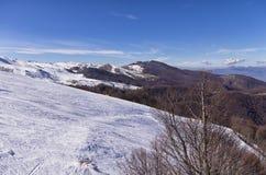 Snowy-Steigung in 3-5 Pigadia der Skimitte, Naoussa, Griechenland Stockbild