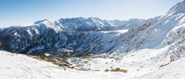 Snowy-Steigungen von Rila in Bulgarien Lizenzfreie Stockfotografie