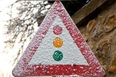 Snowy-Verkehrszeichen Stockfotografie