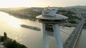 SNP飞碟有观察台的多数路桥梁在多瑙河在布拉索夫 影视素材