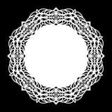 Snöra åt den pappers- doilyen för rundan, den spets- snöflingan som hälsar beståndsdelen, mallen för den bitande plottaren, runda Royaltyfria Bilder