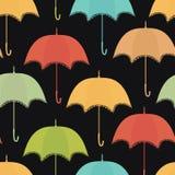 Snöra åt paraplyet på den mörka bakgrunden Royaltyfri Foto