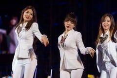 SNSD-musikband på den EquilibriumConcert Korea för mänsklig kultur festivalen i Vietnam Royaltyfri Bild