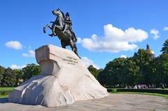 Snt Petersburg, Rusland, 09 September, 2012 Russische scène: Niemand, monument de bronsruiter Royalty-vrije Stock Fotografie