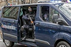 Snut från gendarmeri som simulerar en beskickning royaltyfri bild