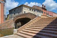 Snutar överbryggar. Comacchio. Emilia-Romagna. Italien. royaltyfri bild