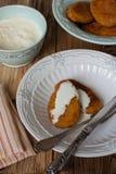 Soße Karotte-Apple-Fleischklöschen mit Sahne Lizenzfreie Stockfotos