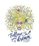 soñador Los sueños de la muchacha con los ojos cerrados El pelo rubio del planeta y de la estrella Proceso o meditación creativo stock de ilustración