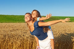 Free Soaking Up The Warmth Of The Sun Royalty Free Stock Images - 32563599