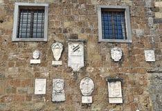 Soana-Palast mit mittelalterlichem herzoglichem Wappen Stockbild