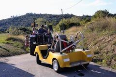 Soapboxrace in het dorp van Tornac wordt georganiseerd die Stock Foto's