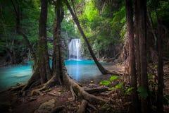 Soar mal a paisagem com cachoeira de Erawan Kanchanaburi, Tailândia Foto de Stock Royalty Free