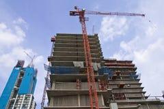 Sob edifícios da construção Foto de Stock Royalty Free