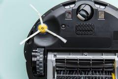 Sob a escova de giro do aspirador de p30 do robô Fotografia de Stock
