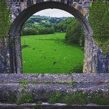 Sob o aquaduct Imagem de Stock Royalty Free