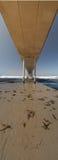 Sob o cais Califórnia panorâmico da praia do oceano fotografia de stock royalty free