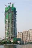 Sob o edifício da construção em Banguecoque, Tailândia Imagens de Stock