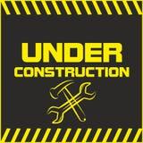 Sob o sinal da construção Foto de Stock Royalty Free