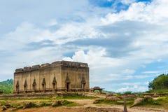 Sob o templo da água em Sangkhaburi, Tailândia fotos de stock