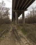 Sob a ponte Imagem de Stock