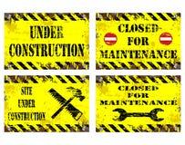 Sob sinais da construção Imagens de Stock