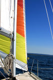 Sob a vela em um Sailboat Fotografia de Stock