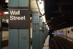 Sob Wall Street Imagens de Stock Royalty Free