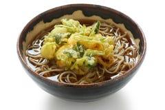 soba лапши kakiage тарелки японское стоковое изображение rf