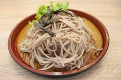 Soba de Zaru (froid japonais de nouille) Photos stock