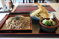 Soba noodle with fried shrimp Royalty Free Stock Photos