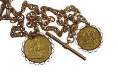 Soberanos e corrente do ouro Imagem de Stock Royalty Free