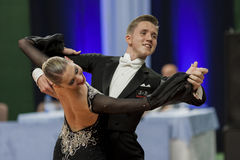 Sobolevskiya Iliya und Standardprogramm Buldyk Arina Perform Youth-2 über nationale Meisterschaft lizenzfreie stockbilder