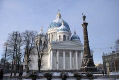 Sobor Svyatoy Zhivonachalnoy Troitsy i St Petersburg, Ryssland Royaltyfria Foton