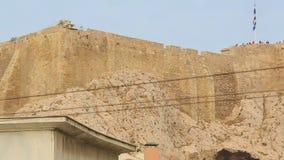 Sobras da acrópole antiga, local do patrimônio mundial do UNESCO em Atenas, Grécia vídeos de arquivo