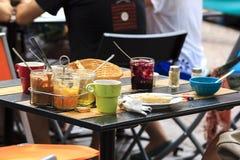 Sobras del desayuno Imagen de archivo