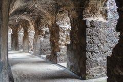 Sobras do anfiteatro romano no centro histórico de Catania fotos de stock