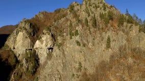 Sobre as montanhas e a estrada filme