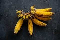 Sobre bananas maduras fotografia de stock