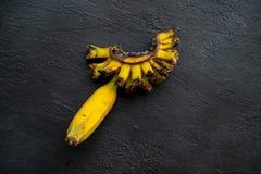 Sobre bananas maduras foto de stock royalty free