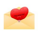 Sobre con los mensajes del amor Fotos de archivo libres de regalías