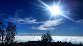 Sobre el cielo Imagen de archivo libre de regalías