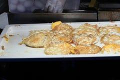 Sobre el huevo frito fácil Imagenes de archivo