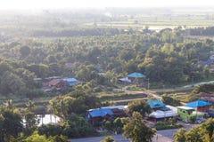 Sobre el pueblo rural con los árboles Imagen de archivo libre de regalías